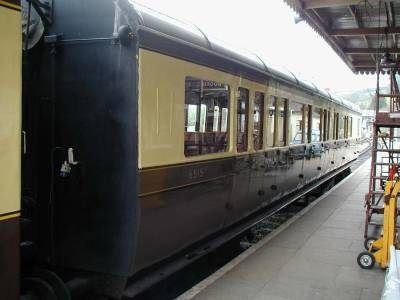 GWR Brake Third 6515 in Buckfastleigh platform
