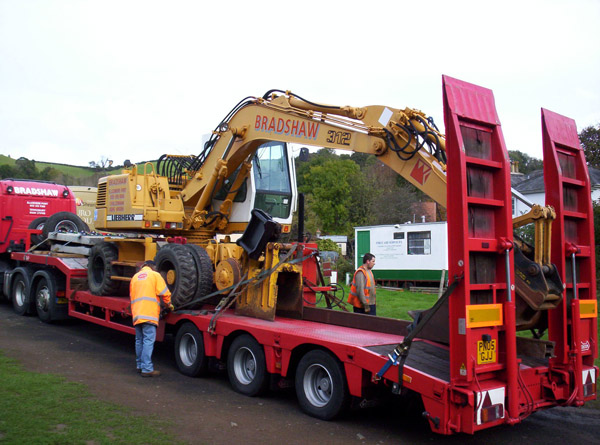 Road Railer arrives on low loader